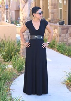 DIY Black Maxi Dress & Pattern Review - Mimi G Style  I want it!!!!