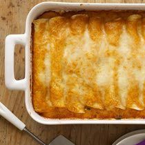 http://mexicanfood.about.com/od/deliciousmaindishes/r/Enchiladas.htm