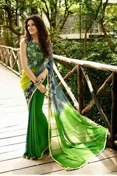 Look so gorgeous in this beautiful printed saree!! Call/whatsapp +919600639563 for booking #designerblous #printed  #partywear #saree #theivoryneedle #fashion #indianfashion #indiantraditional #clothing #elegance #womensfashion #womenswear