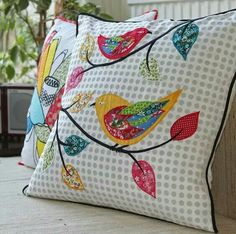 ideas for patchwork cushion applique Applique Cushions, Patchwork Cushion, Sewing Pillows, Quilted Pillow, Diy Pillows, Applique Quilts, Decorative Pillows, Throw Pillows, Mini Quilts