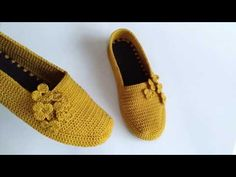 Crochet Stitches, Moccasins, Flats, Shoes, Youtube, Fashion, Crochet Flowers, Simple Embroidery, Slippers