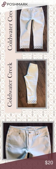 Coldwater Creek White Denim Cropped Capri Jeans ➰ Condition: Very gently worn. No flaws!   ➰ Reasonable Offers Always Welcome!  ➰ FAST SHIPPING - Monday thru Saturday with same or next day after your purchase.  ➰ Questions? Please comment below,       I will be more than happy to assist you.  💕 Holly Coldwater Creek Jeans Ankle & Cropped