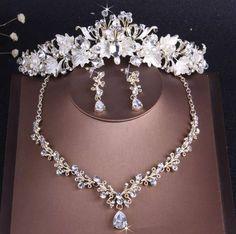 Rhinestone Choker, Rhinestone Wedding, Gold Wedding Crowns, Costume Jewelry Sets, Wedding Jewelry Sets, Bridal Jewellery, Fashion Jewellery, Tiaras And Crowns, Bridal Accessories