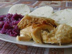 Recepty - Celkově.cz - foto - Pečená krůta s knedlíky a červeným zelím