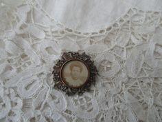 Antique keepsake brooch 1900 by Nkempantiques on Etsy
