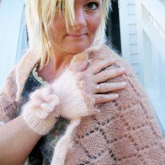 Utforskninger i avansert Brioche Strikkeklasse Drops Design, Fingerless Gloves, Arm Warmers, Elsa, Fashion, Brioche, Threading, Mittens, Moda