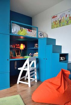 Modern boys room design ideas boys bedroom 2018 Top tips on how to design boys bedroom, boys room design ideas new boys room colors. furniture, lighting and decorating ideas Modern Boys Rooms, Small Rooms, Boy Sports Bedroom, Kids Bedroom, Chambre Nolan, Boys Room Colors, Loft Bed Plans, Bedroom 2018, Boys Room Design