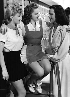 parkavenuefantasy: Lana Turner, Judy Garland, & Hedy Lamarr on the set of Ziegfeld Girl Old Hollywood Stars, Hollywood Icons, Old Hollywood Glamour, Golden Age Of Hollywood, Vintage Hollywood, Classic Hollywood, Hollywood Celebrities, Hollywood Actresses, Classic Actresses