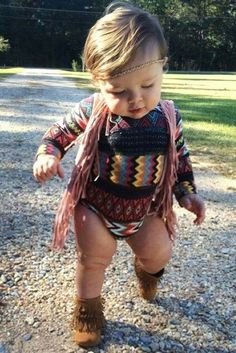 boho baby girl outfit - How adorable Baby Outfits, Outfits Niños, Kids Outfits, Baby Girl Fashion, Kids Fashion, Little Babies, Cute Babies, Baby Girls, Hallowen Costume