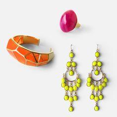 Isharya Neon Pieces Isharya, Agate Ring, Summer Jewelry, Style Guides, Drop Earrings, Jewellery, Google, Fotografia, Jewels