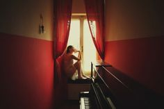 Alessio Albi is an Italian photographer passionated in portrait and who managed to capture with his camera superb compositions, often featuring young women in amazing sceneries. Great work on light and colors in the work of this artist based in Perugia.