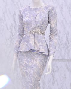 Indian Gowns Dresses, Unique Dresses, Gaun Dress, Batik Fashion, Muslim Dress, Dress Shirts For Women, Mode Hijab, Prom Party Dresses, 2020 Design