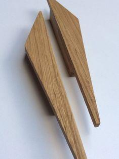Wooden Hinges, Wooden Doors, Furniture Handles, Furniture Hardware, Wood Door Handle, Wooden Almirah, Wardrobe Door Handles, Walk In Closet Design, Small Woodworking Projects