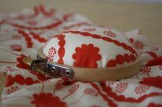 embroidery hoop pin cushion tutorial