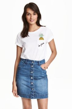Short-sleeved top in jersey with a motif. Pineapple Top, H&m Online, Dress Me Up, Casual Looks, Denim Skirt, Fashion Online, Kids Fashion, T Shirt, Lady