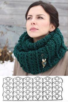 Cachecol, gola e xale de crochê com gráfico Crochet Shawl Diagram, Crochet Motifs, Crochet Stitches Patterns, Crochet Designs, Crochet Shawls And Wraps, Crochet Scarves, Crochet Clothes, Easy Crochet, Knit Crochet