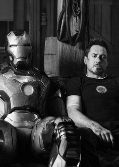 Robert Downey Jr as Tony Stark in Iron Man 3 Marvel Dc, Marvel Comics, Marvel Heroes, Iron Man Wallpaper, Marvel Wallpaper, Tony Stark Wallpaper, Disneysea Tokyo, Marshmello Wallpapers, Marvel Photo