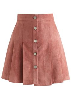 Catch Your Eyes Faux Suede Pleated Skirt in Pink - Retro, Indie and Unique Fashion Source by jadnaribeiro fashion clothing Red Skirts, Cute Skirts, Mode Outfits, Skirt Outfits, Party Outfits, School Outfits, Unique Fashion, Fashion Fall, Womens Fashion