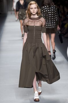 Fendi Spring 2016 Ready-to-Wear Fashion Show - Madison Stubbington
