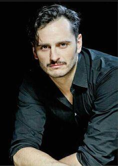 """AMÉN... Asier Exteandía, el actor, el cantante, """"el Intérprete"""""""