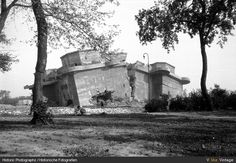 II, Jun Berlin, Hitler's destroyed bunker in the grounds of the Reich Chancellery. Flak Tower, Berlin Photos, Germany And Italy, History Online, War Photography, European History, Second World, North Africa, Military History