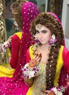 wedding hairstyles pakistani Wedding hairstyles pakistani saris Ideas for 2019 Pakistani Bridal Hairstyles, Pakistani Bridal Makeup, Bridal Mehndi Dresses, Wedding Dress, Wedding Hairstyles, Saris, Hair And Beauty, Asian Bridal, Bridal Beauty