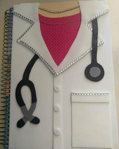Notebook cover page ideass. Kids Crafts, Foam Crafts, Diy Arts And Crafts, Quilling Paper Craft, Paper Crafts, File Decoration Ideas, Cute School Supplies, Diy Notebook, Handmade Books