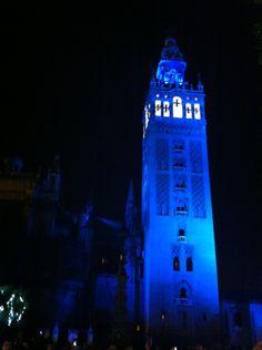 La Giralda en azul! Que me encanta!
