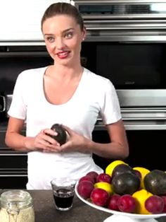 Miranda Kerr reveals the superfoods she eats every day - Miranda Kerr's diet tips video - Cosmopolitan.co.uk