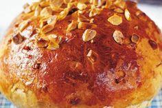 Klasický mazanec | Apetitonline.cz Bread Bun, Baked Potato, Smoothies, Pancakes, Food And Drink, Yummy Food, Sweets, Cooking, Breakfast