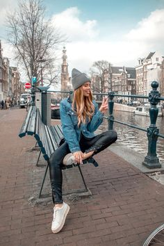 Falling hard for Amsterdam ❤️ Amsterdam Fashion, Amsterdam Outfit, Amsterdam Travel, Amsterdam Street Style, Best Photo Poses, Picture Poses, Amsterdam Pictures, Vanessa Wu, Amsterdam Photography
