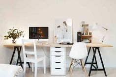DIY Desks You Can Make In Less Than a Minute (Seriously!) | Apartment Therapy Main | Bloglovin'
