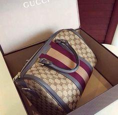 Louis Vuitton Monogram Cross Body Handles Handbag Canvas Speedy Bandouliere 35 Article: – The Fashion Mart Gucci Purses, Burberry Handbags, Prada Handbags, Luxury Handbags, Purses And Handbags, Gucci Bags, Burberry Bags, Coach Handbags, Fashion Handbags