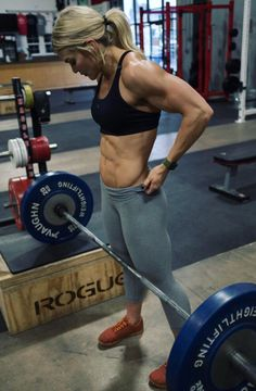 Best Bodybuilding Supplements, Bodybuilding Workouts, Female Bodybuilding, Physique, Crossfit Women, Crossfit Chicks, Crossfit Athletes, Crossfit Motivation, Lifting Motivation