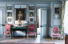 The essence of Frenchness: A beautiful Parisian apartment