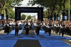 09/08 Grande Parade des Nations Celtes  [festival] Festival Interceltique de Lorient 2015  45ème Festival Interceltique de Lorient  Du 7 au 16 août 2015 : Année de la Cornouaille et de l'Île de Man  www.festival-interceltique.bzh