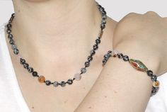 Making a convertable bracelet / necklace/ choker handknotted