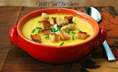 The Best Potato Butternut Squash Soup is a comforting and creamy potato soup made with sweet butternut squash. This is a beautiful soup to serve in cooler weather. Top it off with some croutons and a dollop of sour cream. Chicken Kale Soup, Buttercup Squash, Creamy Potato Soup, Bisque Recipe, Chili Soup, Eating Vegetables, Winter Soups, Butternut Squash Soup, Soup Recipes