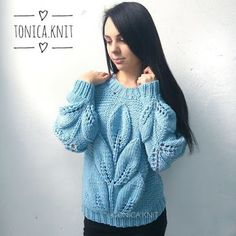 Image may contain: 1 person Baby Knitting Patterns, Baby Patterns, Hand Knitting, Knitwear Fashion, Knit Fashion, Crochet Woman, Knit Crochet, Baby Sweaters, Sweaters For Women