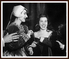 Maria Callas con la sua collega ed amica Giulietta Simionato dopo il recital Anna Bolena