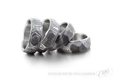Set of four faceted Damascus steel ring. Institute Of Design, Damascus Steel, Different Colors, Rings For Men, White Gold, Wedding Rings, Rose Gold, Engagement Rings, Jewelry