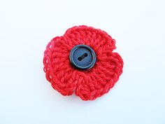 Addicted to Making: How to crochet a Poppy. Crochet Wool, Love Crochet, Crochet Gifts, Double Crochet, Crochet Stitches, Crochet Things, Crochet Squares, Crochet Poppy Free Pattern, Crochet Flower Patterns