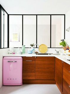bold pops of color in kitchen