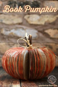 Make a Book Pumpkin – Frugal Fall Craft - upcycle an old paperback book into this easy {and gorgeous} craft! Thanksgiving Tafel, Thanksgiving Crafts, Thanksgiving Decorations, Holiday Crafts, Halloween Decorations, Turkey Decorations, Friends Thanksgiving, Christmas Decorations, Autumn Crafts