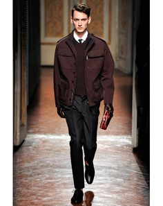 Burgundy Clothes: Men's Fall Fashion Trend