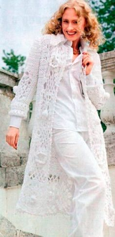 Mesdames à long crochet cardigan en blanc / by NinaKalinaFashion