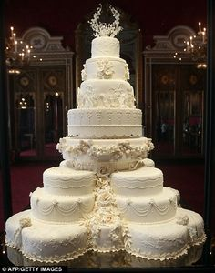 Wow!  Absolutely Gorgeous!  http://www.dailymail.co.uk/femail/article-2017554/Are-Kate-Middleton-Prince-William-planning-family-They-save-wedding-cake-tier.html