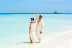 Honeymoon and wedding vow renewal photography http://islamujeresphotographer.com/honeymoon-photo-sessions/