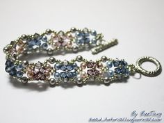 Beautiful bead tutorial! Very detailed, step by step photos!