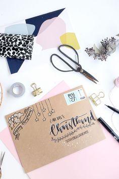 Kreative DIY Weihnachtspost mit selbst gestalteten Umschlägen: Mit Handlettering tolle weihnachtliche Umschläge für die Weihnachtspost gestalten